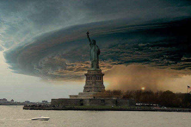 Fake photo of clouds around Statue of Liberty