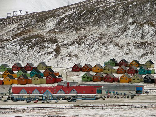 It's not illegal to die on Longyearbyen, but they won't bury you here.