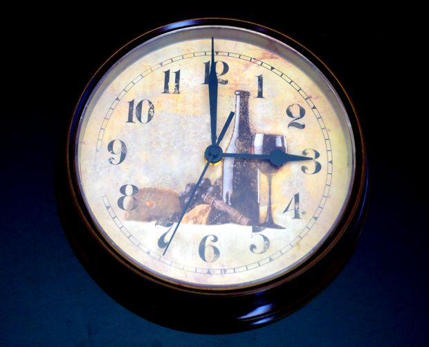 clock at 3pm