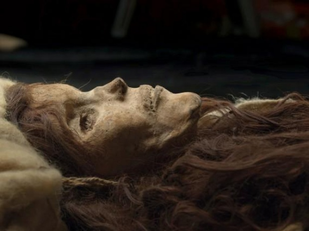 mummy fingernails and hair grow after death