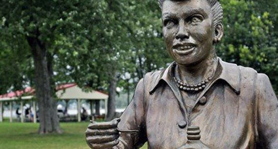 lucy statue